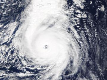 Imagen del huracán Ophelia tomada por la NASA
