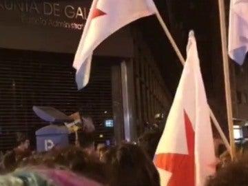 Protestas frente a la sede de la Xunta en Ourense