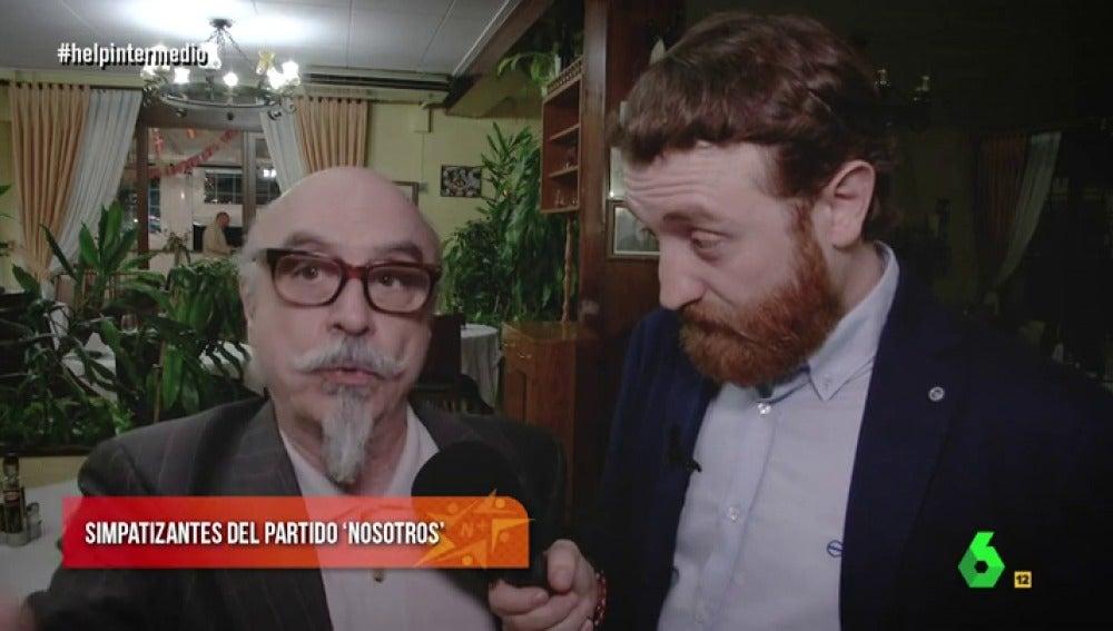 Simpatizante de 'Nosotros' con Manuel Burque