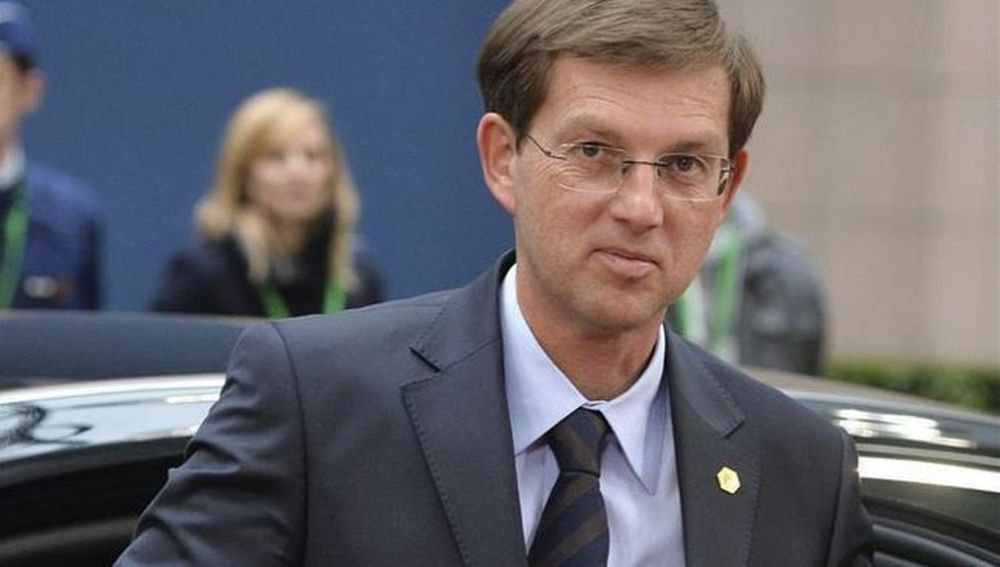 Resultado de imagen para ministro esloveno de Exteriores, Miro Cerar