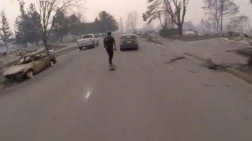 Dos hermanos muestran en un vídeo el antes y el después del incendio de California