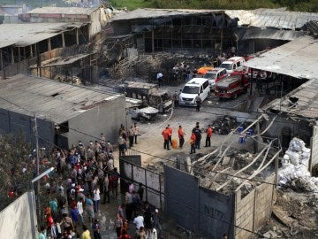 Explosión en una fábrica de fuegos artificiales en Yakarta