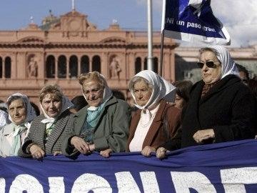 Abuelas de la Plaza de Mayo