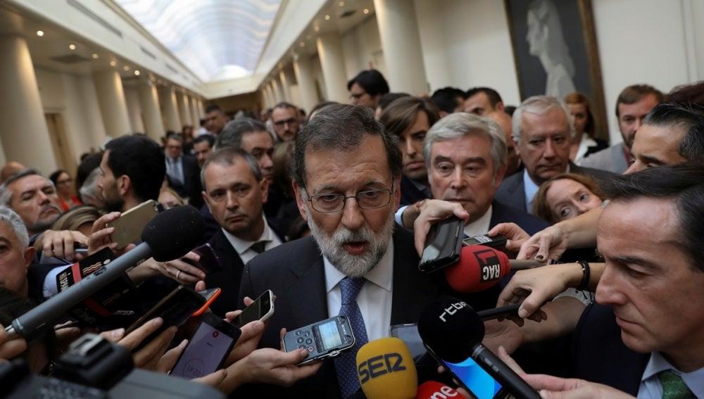 Mariano Rajoy en los pasillos del Senado