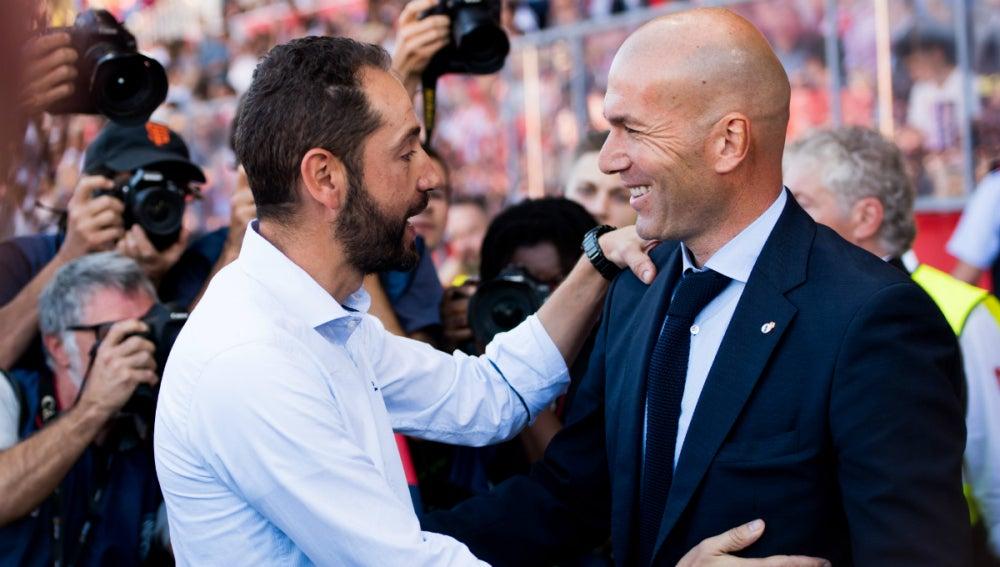 Zidane saluda a Machín