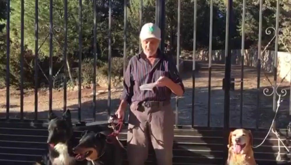 Santiago, en el mensaje en el que busca hogar para sus seis perros