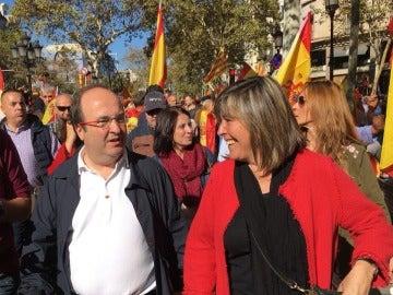 Miquel Iceta y Nuria Marín, durante la marcha por la unidad de España en Barcelona