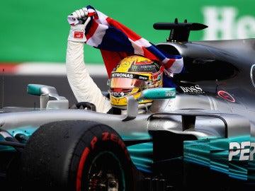 Lewis Hamilton celebra su tetracampeonato en México