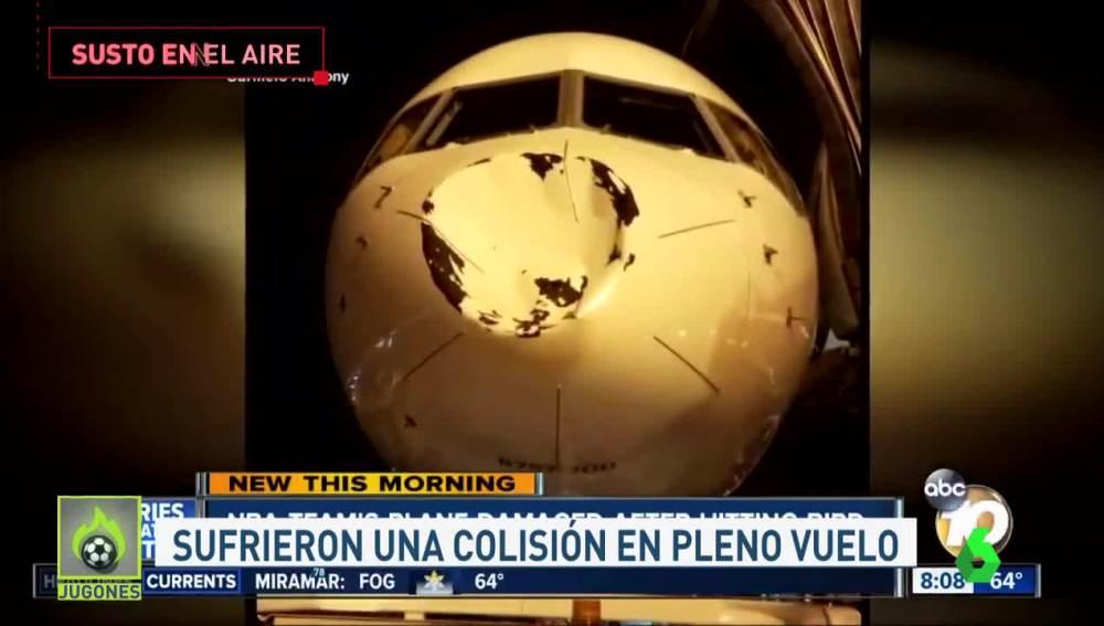 Aspecto del avión de los Thunder tras el impacto en pleno vuelo