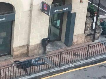 Imagen del atraco a una sucursal bancaria en Cangas de Onís
