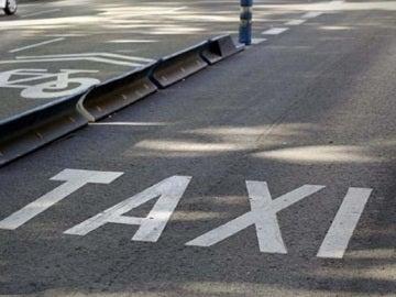 Imagen de un carril taxi