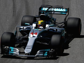 Lewis Hamilton rueda en el GP de Brasil