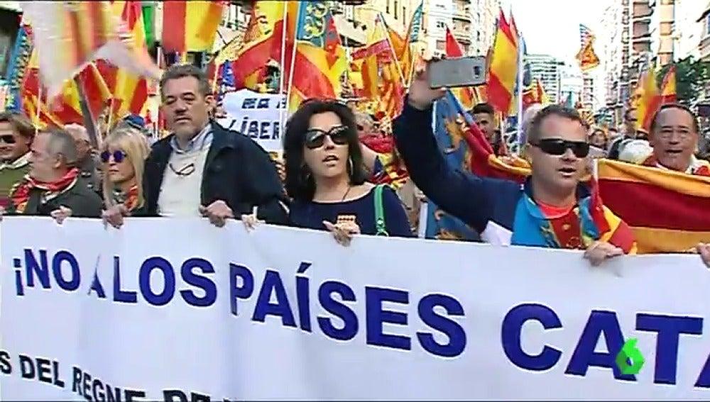 Manifestación en Valencia contra el nacionalismo catalán