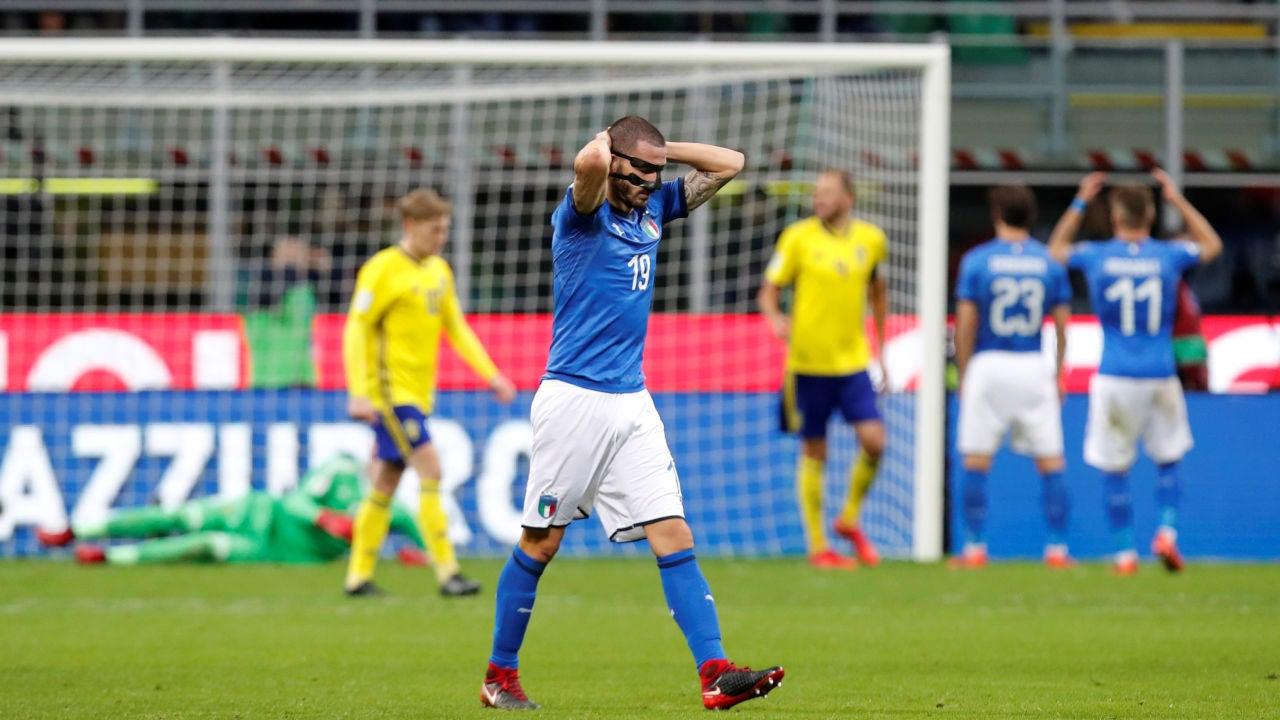 Bonucci se lleva las manos a la cabeza frente a Suecia