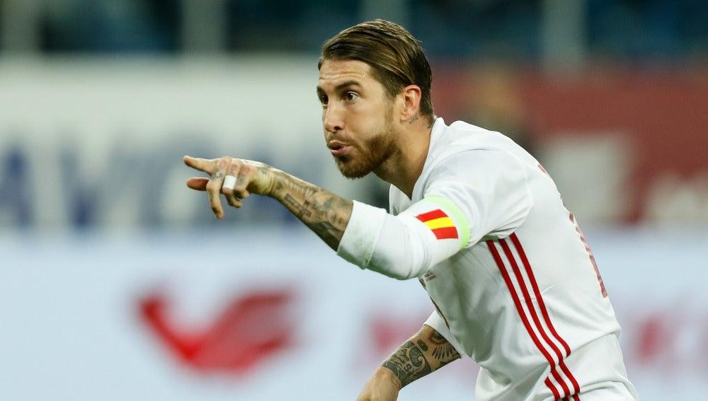 Sergio Ramos celebra un gol en el amistoso ante Rusia