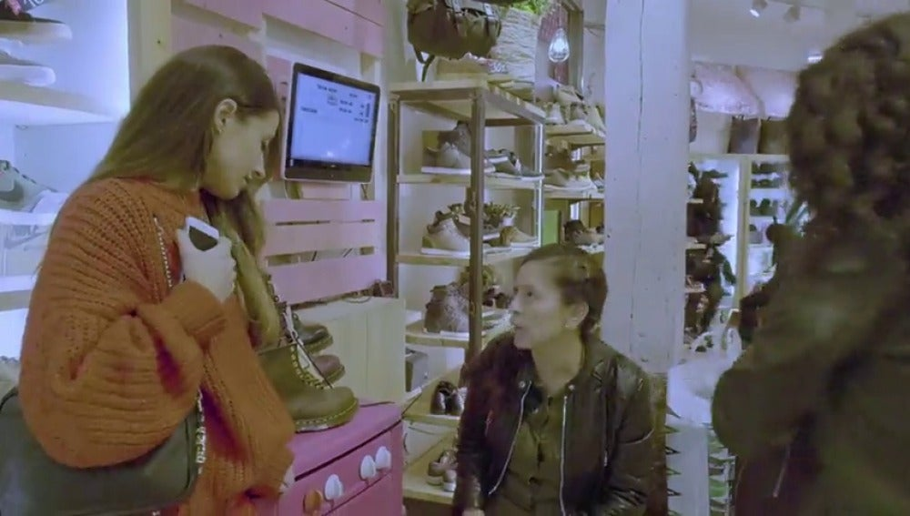 17:15 p.m: Shopping con María Valdés