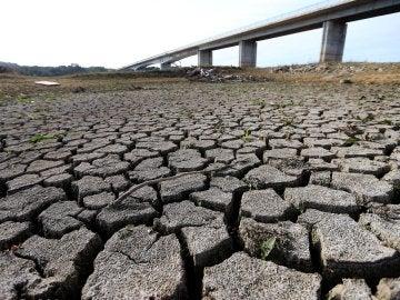 Vista del lecho seco del río Guadiana
