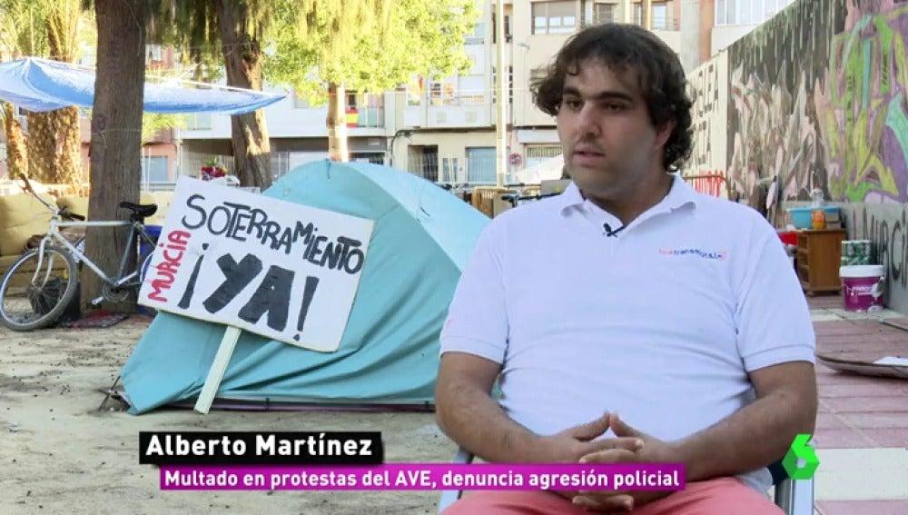 """Las manifestaciones pacíficas en Murcia por el soterramiento que dieron paso a la violencia: """"Un policía me pegó un puñetazo"""""""