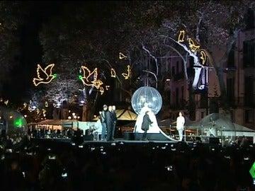 Barcelona inauguró anoche el alumbrado navideño. Madrid y Málaga lo harán esta noche