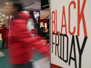 Falsa alarma obliga a evacuar centro comercial de Florida en  Black Friday