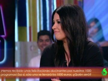 Sara Bravo, la reportera de la risa contagiosa, visita Zapeando 1.000