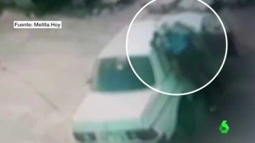 Una captura del vídeo que capta la agresión