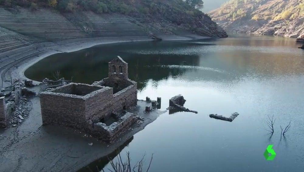 Las ruinas de antiguos pueblos sumergidos se han convertido en una nueva atracción turística