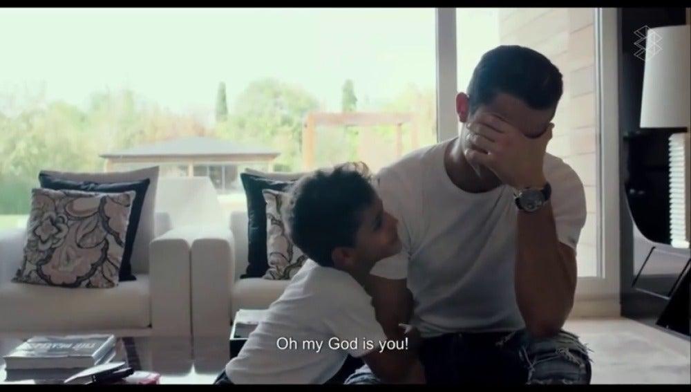 Sale a la luz una divertida escena eliminada del documental de Cristiano Ronaldo