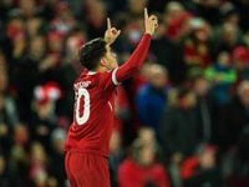 Coutinho celebra un gol en la goleada del Liverpool