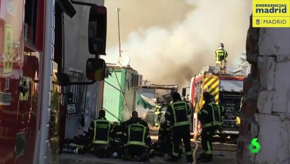Incendio en la Cañada Real en Madrid