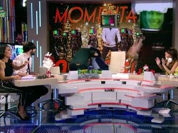 El apasionado beso que 'le planta' Miki Nadal a Frank Blanco de forma inesperada sorprende a los zapeadores
