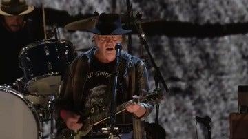 La batalla de Neil Young contra la mala calidad del sonido que nos venden