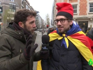 Gonzo en Bruselas con un independentista