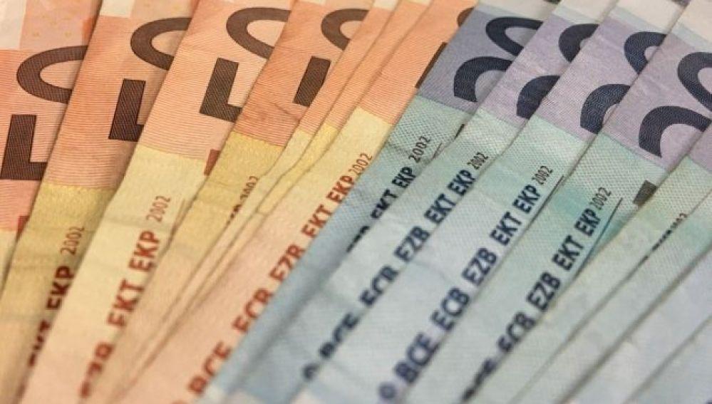 dinero efectivo_643x397