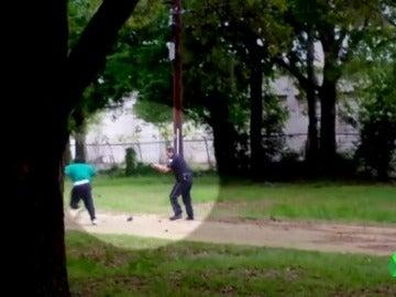 Condenan a un policía estadounidense a 20 años de cárcel por matar a un ciudadano negro a tiros