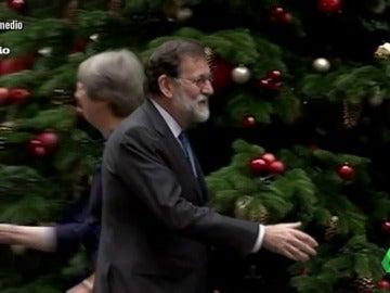 El rechazo del saludo a Mariano Rajoy que deja al presidente disimulando 'sobre ruedas'