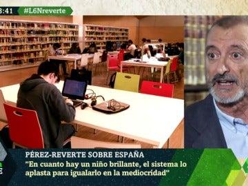 """Arturo Pérez-Reverte: """"Los colegios españoles son ahora lugares para aplastar la inteligencia e igualarla en la mediocridad"""""""