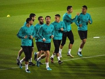 Los jugadores del Real Madrid se entrenan en Abu Dabi