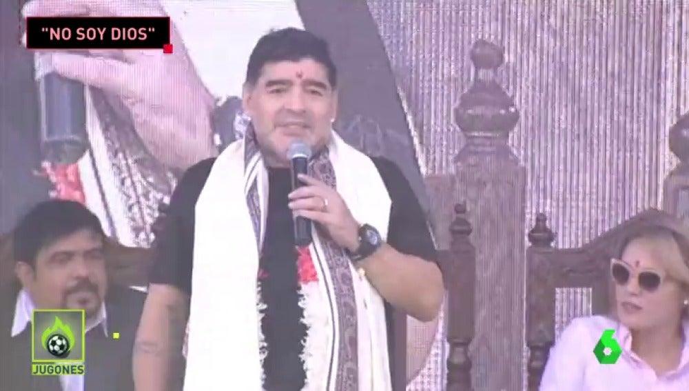 MaradonaIndiaJugones