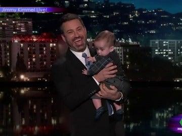 Jimmy Kimmel con su hijo
