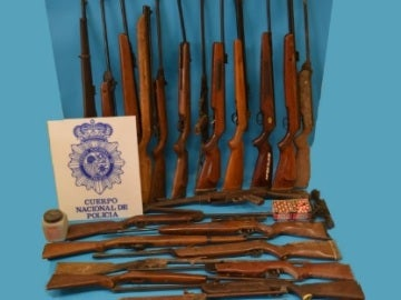 Parte de la mercancía encontrada por la Policía