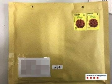 Sobre utilizado para el tráfico de marihuana por correo ordinario