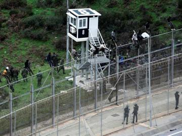 Imagen de la valla que protege la ciudad autónoma española de Ceuta