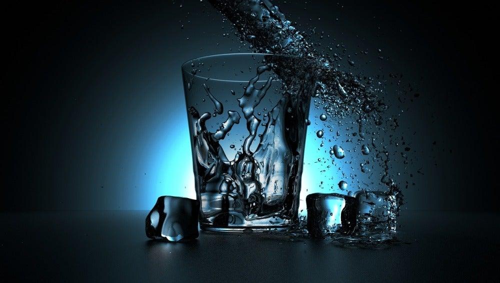 El agua fluctúa entre dos estados líquidos a -44 grados