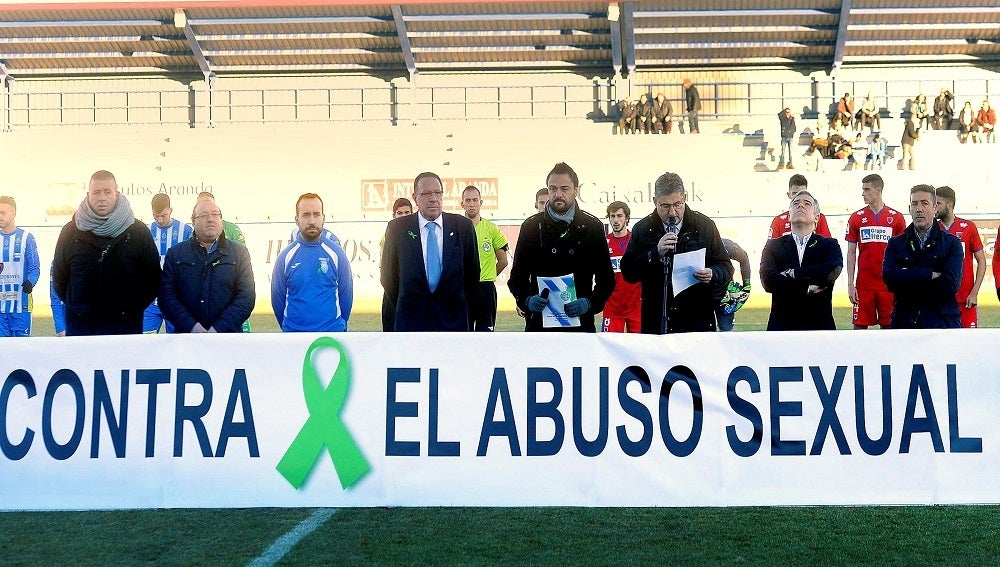 Acto contra el abuso sexual en el estadio de la Arandina C.F.