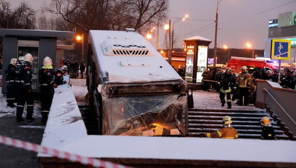 El estado del autobús que arrolló a varias personas en Moscú
