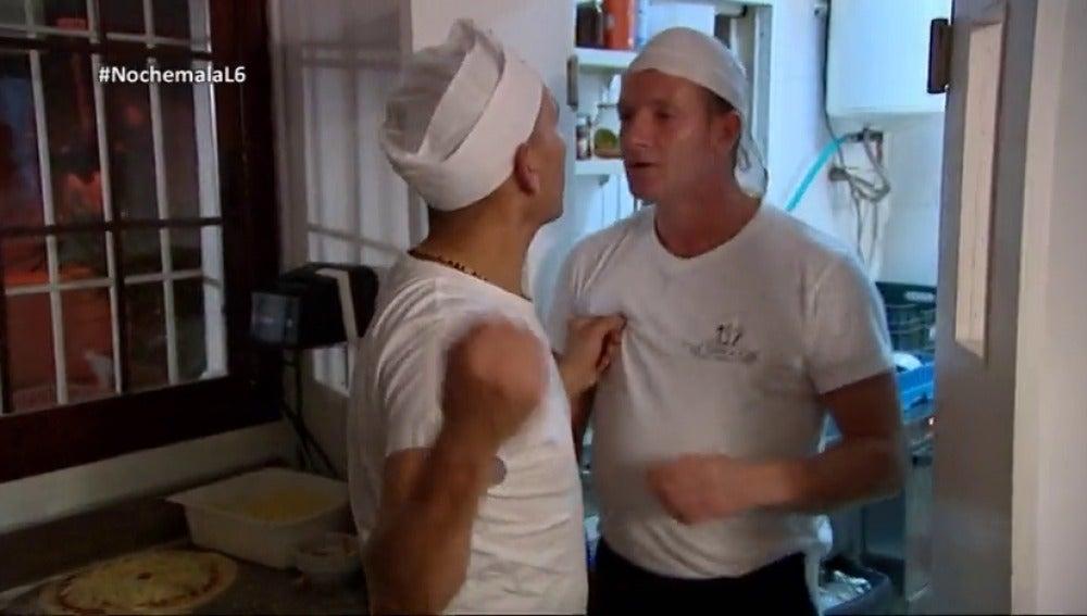 El momento en el que Chicote tuvo que separar a dos cocineros que llegaron a las manos: así fue el viaje de Pesadilla en la cocina a Ibiza