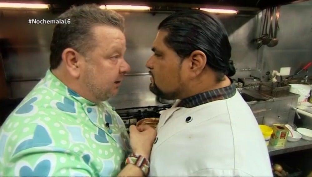 """""""Menos mal que estaba el equipo, si no creo que pillo"""": así rememora Alberto Chicote su fuerte encontronazo con Ronald"""