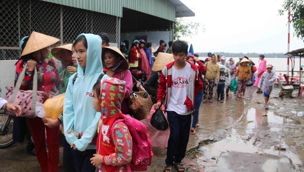 Evacuaciones en Vietnam por el tifón Tembin