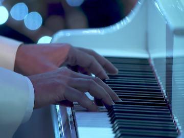 El himno del PP a piano, en El InterMerry Christmas